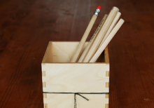 WOOD PENCIL STAND