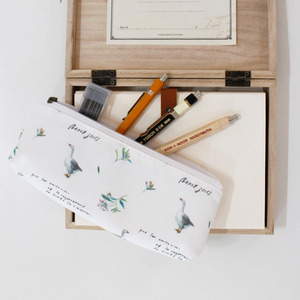 LA NATURE PENCIL CASE